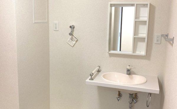 洗濯機設置スペースも確保してあります。