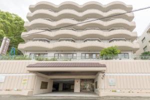 熱海市にある介護付有料老人ホームの中銀ケアホテル熱海です。