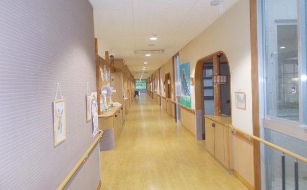 特別養護老人ホームカリタス21廊下
