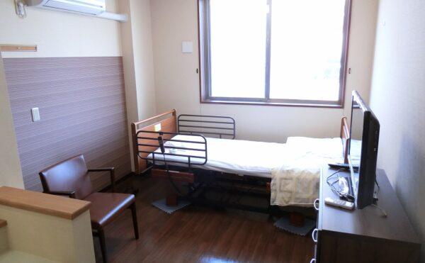 静岡県駿東郡のサービス付き高齢者向け住宅 ハートライフ長泉は病院、コンビニ、スーパーなども近くにある好立地な場所にある施設です。
