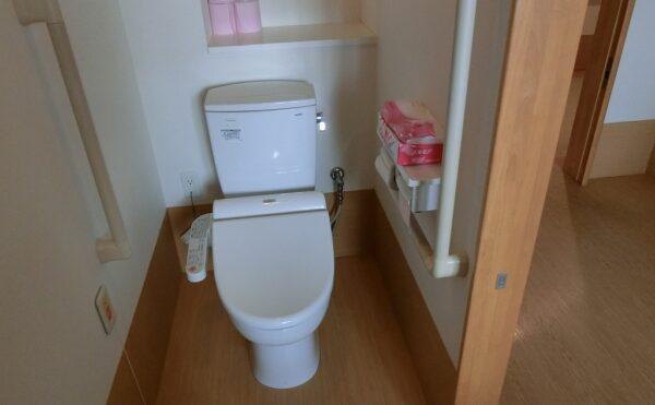 各居室にトイレあります。