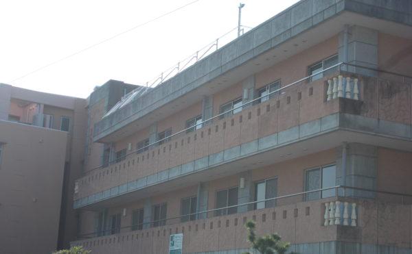 東南側から(画面左4階の大きな窓から富士山等が望めます)