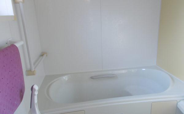 おうちのお風呂とおんなじ個浴です。