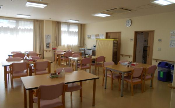 広々食堂 広々とした空間で開放的な食堂です。毎日が楽しく食事をすることが出来ます。(なごやかレジデンス清水八坂)