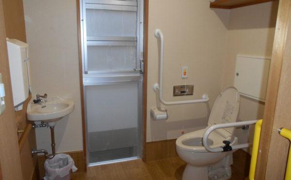 特別養護老人ホームカリタス21室内トイレ
