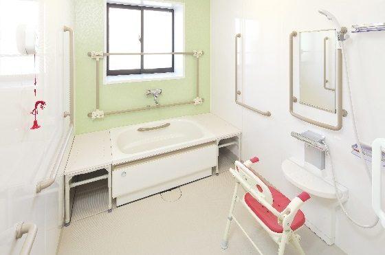 お一人づつご利用の浴室