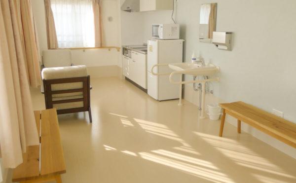 共有スペース キッチンなどもあり、簡単な料理やお茶を飲むにはとても適しています。