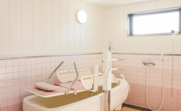 浴室 介護の必要な方でも安心してご利用いただけます。