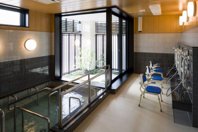 大浴場から特殊機械浴槽までお一人お一人に合わせた入浴が可能です。介護付有料老人ホーム(ラクラス富塚レジデンス)