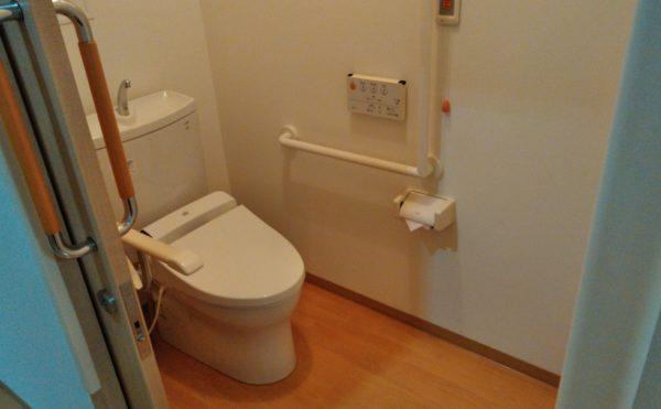 居室、トイレ