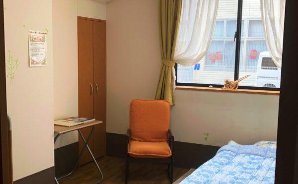 モデルルーム②  大きな窓が配置されていて開放的で、毎日を快適に過ごす事が出来ます(ツクイ静岡川合グループホーム)