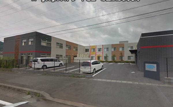 外観② 施設入口 広くスペースが取ってあり、効率よく駐車することが出来るようになっています。(ラ・ナシカ しまだ)