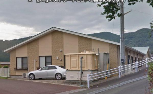 外観② 自然豊かな環境に施設の平屋建物が調和しています。 (花平の郷)