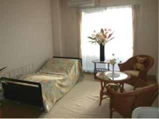 居室① 大きな窓が配置された、明るく開放的な空間は毎日穏やかに過ごすことが出来ます。(ベストライフ浜松東)