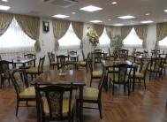 笑顔があふれる食堂 大きな窓と開放感のある大空間で、楽しく毎日の食事をすることが出来ます。(ラ・ナシカ しまだ)