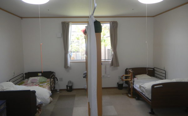 2人部屋 ひとりではさみしい方・ペアで入居されたい方に最適です。(住宅型有料老人ホーム マコDEホーム弁天)