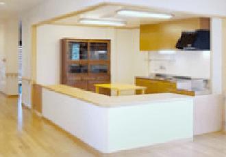 キッチン 開放感のあるキッチンスペースで毎日調理された食事を取る事が出来ます。(グループホームきらら浜松)
