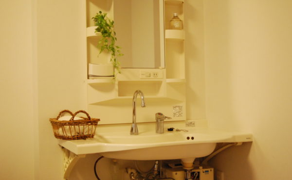洗面台 大きいサイズのボールがあり、利用する人に使い勝手の良い洗面台が設置されています。(ベストライフ静岡)