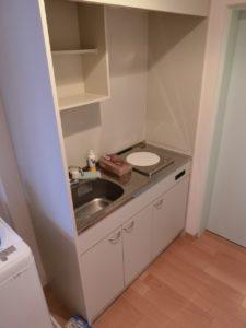 居室③ キッチンが設置され、ちょっとした料理を作れるので便利です。(サービス付き高齢者向け住宅らくじゅ沼津足高館)