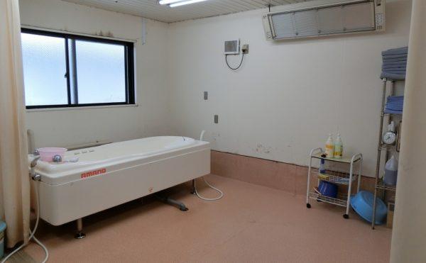介護浴槽 介護浴槽もご用意しているので介護の必要な方も安心して施設利用することが出来ます。(ベストライフ御殿場)