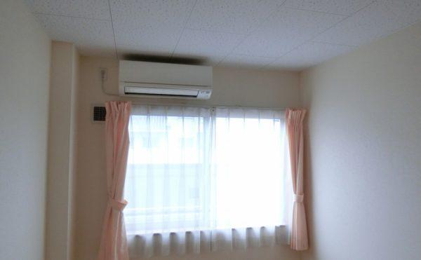エアコン、カーテン、照明器具備え付けの為、用意する必要ありません。
