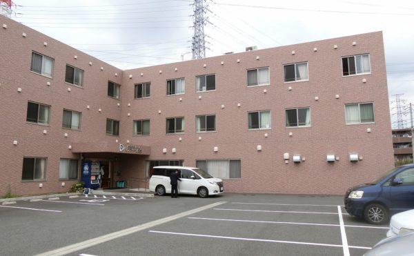 静岡県駿東郡長泉町の住宅型有料老人ホーム シフティーン長泉は要支援1の方から要介護5までの方のご入居が可能です。医療体制も整っており、介護職員は24時間常駐していますので夜間の介護対応も安心です。