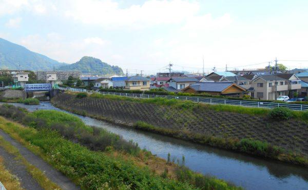 丸子川 施設の近隣には、自然豊かな丸子川が流れています。施設から眺める景色が和みます。(有料老人ホーム ペリデ長田)