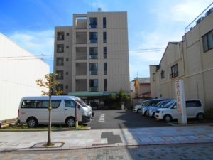 静岡市清水区にある介護付有料老人ホームの介護付き有料老人ホーム 庵原屋日和館です。