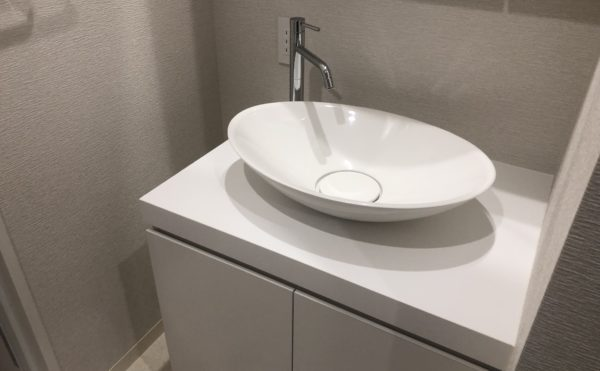 お洒落な洗面 高級ホテルのようなお洒落なボールの洗面台をご利用いただけます。(ロングライフ・クイーンズ静岡呉服町)