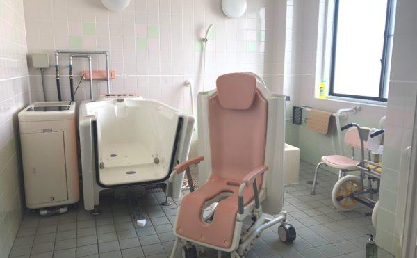 機械浴室 グループホームでは珍しい機械浴室が備わっていて、安心して利用する事が出来ます。 (グループホーム瀬名川)