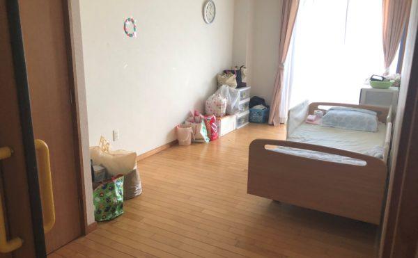 広々とした居室 大きな窓が配置されていて開放的です。毎日快適に過ごすことが出来ます。(グループホーム瀬名川)
