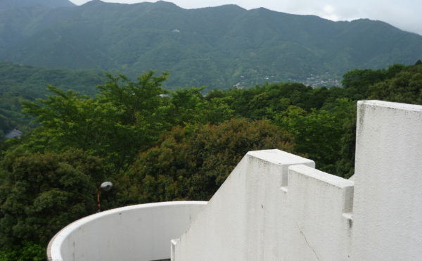 自然豊かな場所にあります。小高い場所に建物があり、自然が豊かな眺望を楽しむことが出来ます。(ベストライフ熱海)