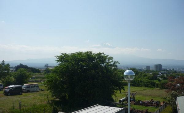 施設からの眺め 施設の周辺は自然が多くて、景色も最高です。穏やかに毎日を過ごすことが出来ます。(グループホーム東山)