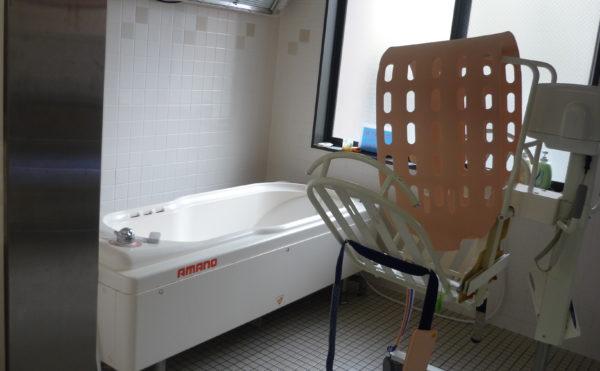 介護浴槽 施設内には、介護浴槽が設置されていて、介護状態に合わせて利用することが出来ます。(ベストライフ 沼津)