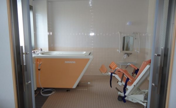 機械浴 介護状態に合わせて入浴できるように機械浴をご用意しています。(杏林福祉サービスときわ)