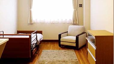 静岡県浜松市の介護付き有料老人ホーム 櫻乃苑 浜松天竜は24時間対応の医療機関との連携があり安心で、健康重視で美味しいお食事を提供しています。