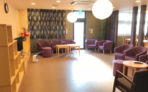 談話スペース 談話スペースには沢山のソファーなど楽しくくつろげるスペースが設けられています。(アンサンブル浜松尾野)