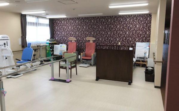 リハビリスペース 清潔感のある大きな空間で健康的に体を動かせるスペースとなっています。(アンサンブル浜松尾野)