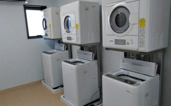 洗濯機です!上に乾燥機も設置されています!