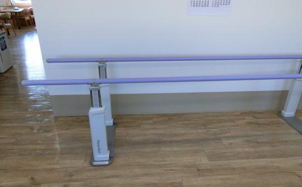 歩行訓練用の器具があります。
