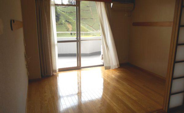 居室(窓側の部屋)