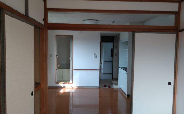 フルオブライフ砂丘の居室は一般の居室よりも広めになっており、お風呂やミニキッチンがついているので、お部屋での生活も快適に過ごすことができます。