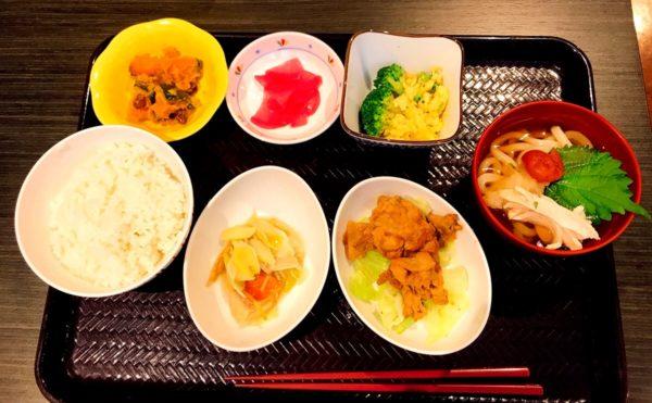 静岡市葵区の介護付き有料老人ホームでお食事を頂きました!