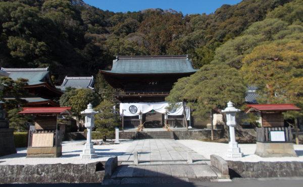 直ぐ近くにある、臨済寺。家康公が幼少期を過ごしたお寺。