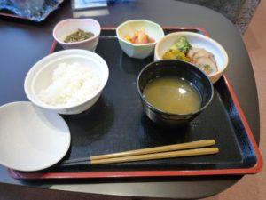富士山するがテラスで提供されているお食事。和食中心の栄養バランスが整ったメニューは味もボリュームも十分。