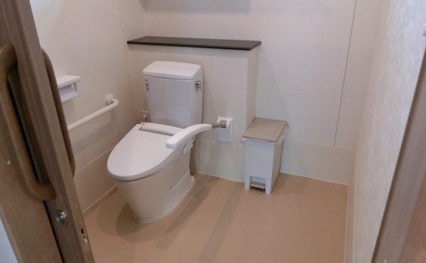 共用のトイレが各階に4か所ずつあります