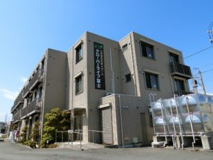 「クローバーライフ富士」は24時間訪問介護が併設しており、スピーディーなサービスが受けられます。