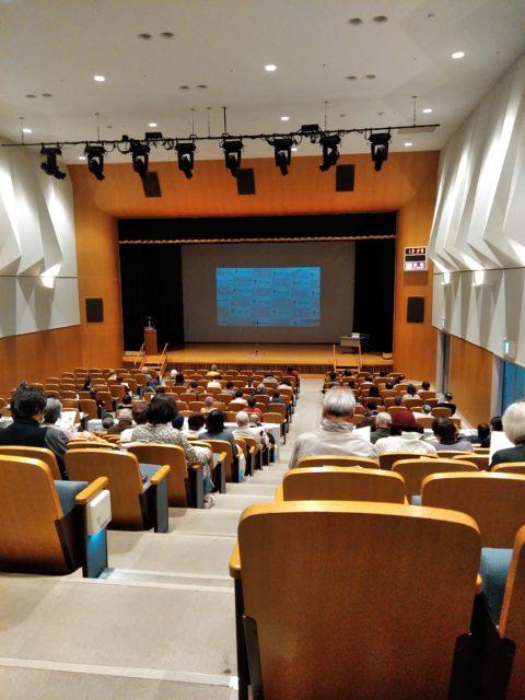 静岡リビング新聞社様主催の「認知症に備える~その予防と対処法講演会」の会場内の様子。認知症専門医の先生による症状から治療、予防法までをわかりやすく解説。