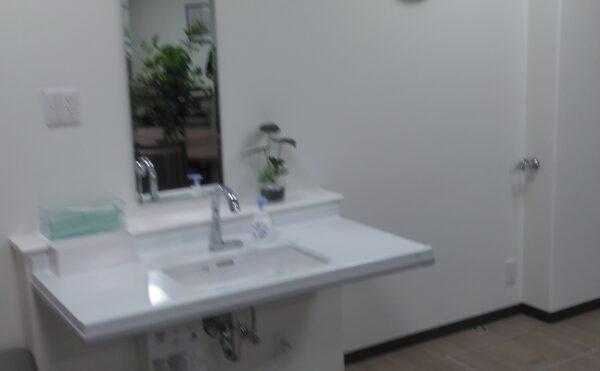 車椅子対応の洗面台