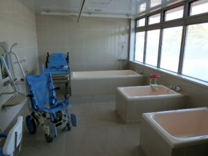 お風呂は入居者様のお身体の状態に合わせた対応が可能です。(ガーデンテラス白尾台)